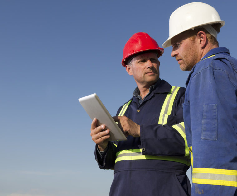 workers using ehs software